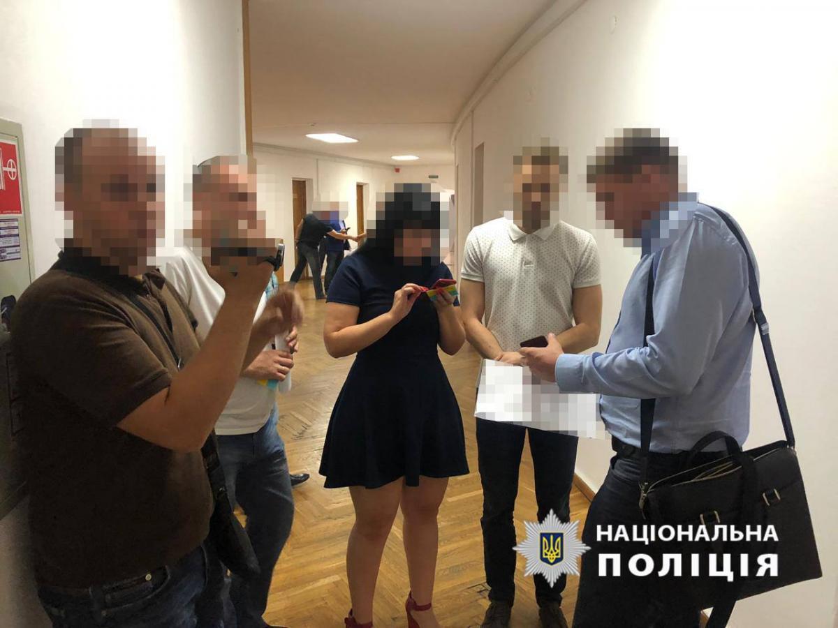 В Днепре правоохранители провели обыски в горсовете / фото npu.gov.ua