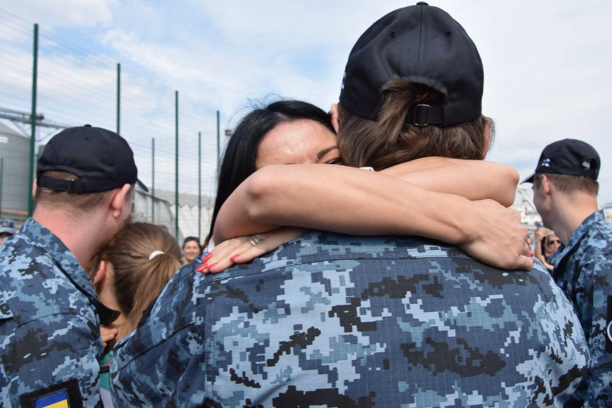 Звільнені моряки повернулися додому в Одесу / фото ВМС ЗСУ