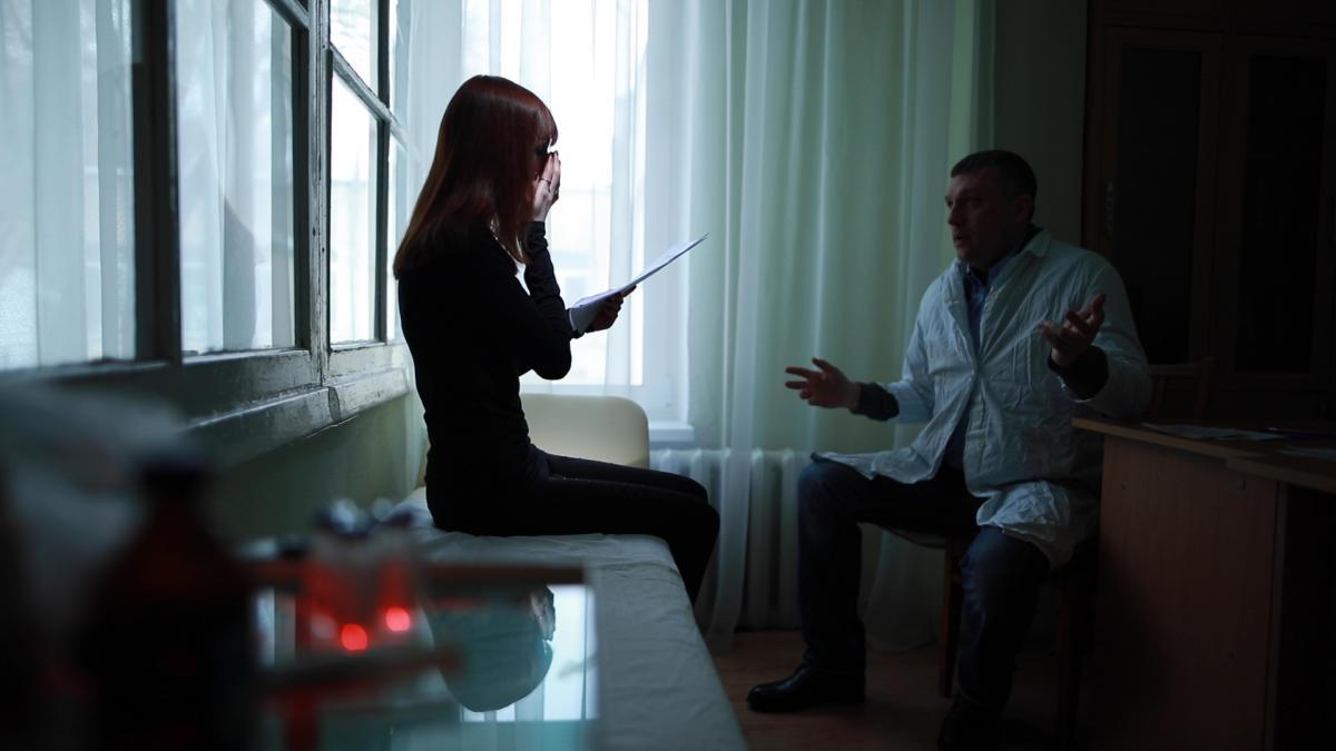 У Каріни страшний діагноз – рак. Отримувати дорогі ліки їй допомагала держава