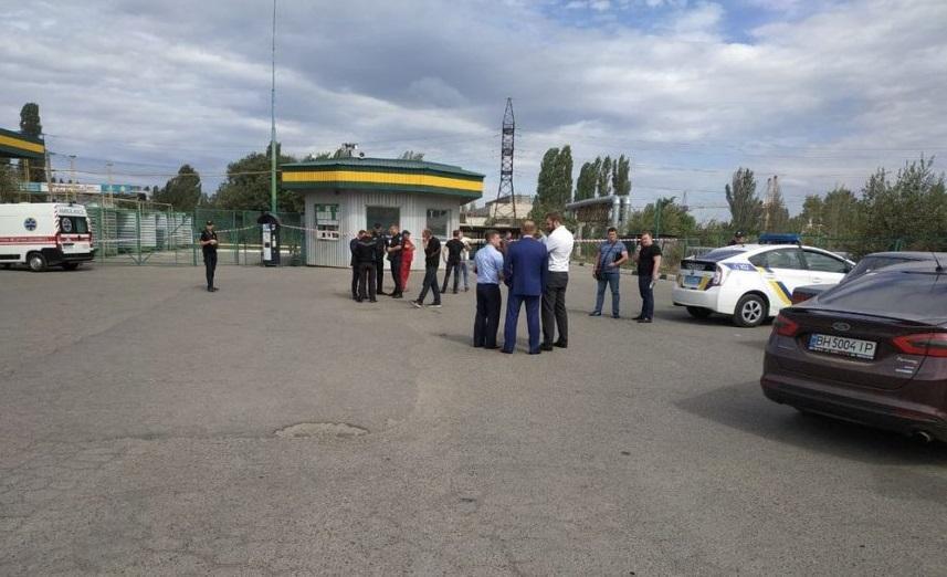 На место происшествия работают криминалисты и кинолог со служебной собакой / фото: novosti-n.org