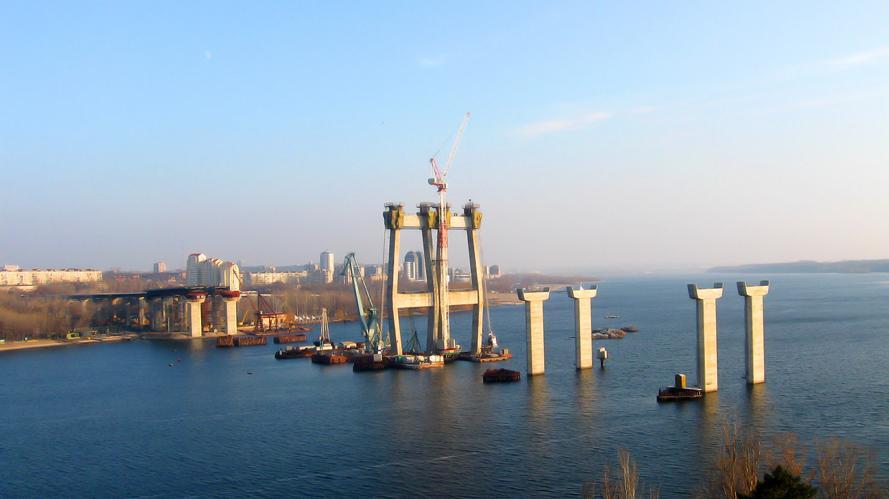 На достройку моста через Днепр в Запорожье понадобится 12 миллиардов гривень / фото s.citysites.com.ua