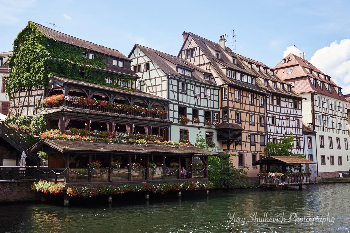 Страсбург приваблює ресторанами на воді / фото Yury Shulhevich