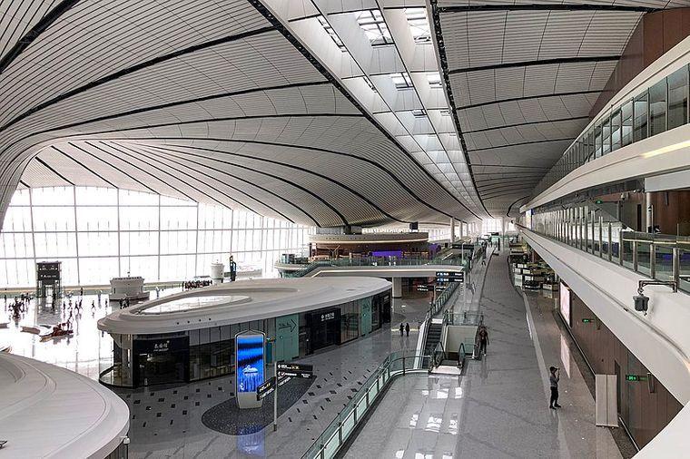 У Китаї відкриють один з найбільших аеропортів у світі / фото Вікімедіа