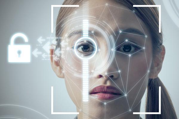 Первые системы идентификации по лицу можно было обмануть с помощью фотографии / spbit.ru
