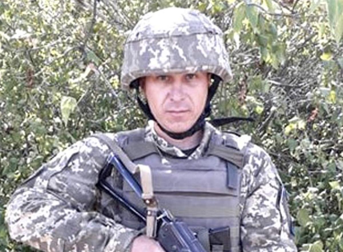 На военном аэродроме солдат прикладом по голове успокоил пьяного нарушителя / фото Facebook