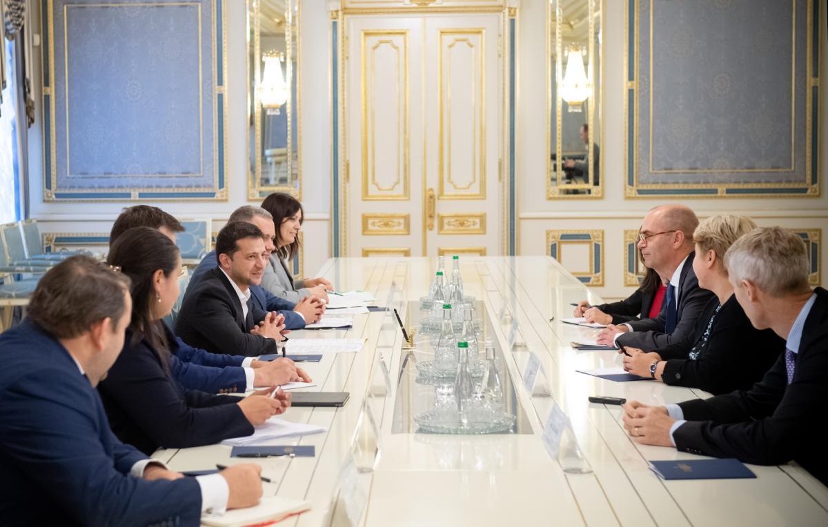 Владимир Зеленский провел встречу с представителями МВФ / фото president.gov.ua