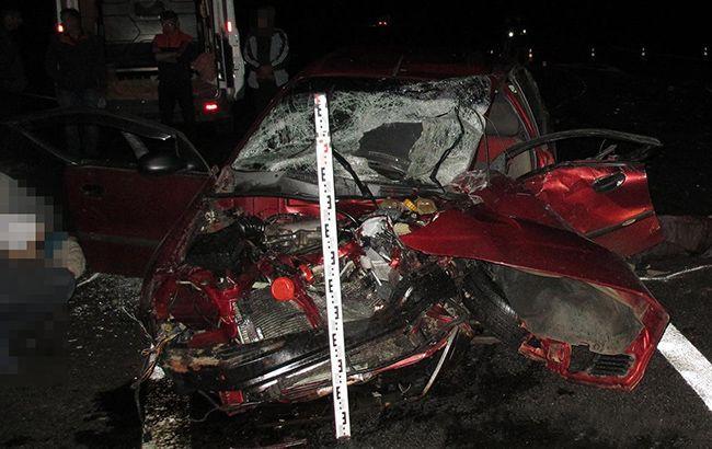 Грузовик MAN не предоставил преимущество в движении автомобилю Daewoo, который двигался по главной дороге, и допустил столкновение / фото zp.npu.gov.ua