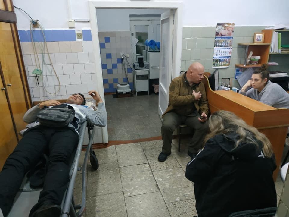 Постраждалий - депутат Олешківськоїрайради Роман Чухалов / фото: Власов/Facebook