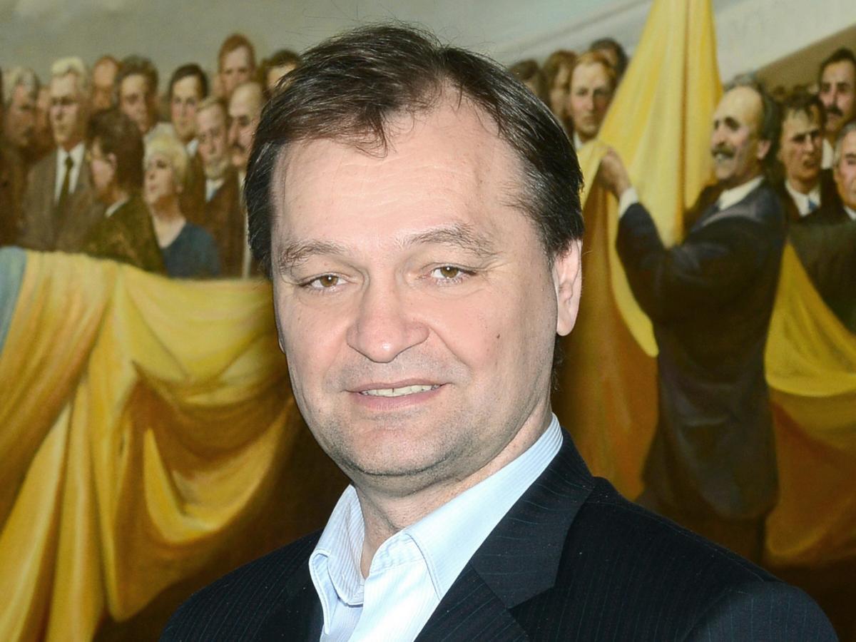 Согласно декларации Пономарева, он живет сам / фото: Википедия