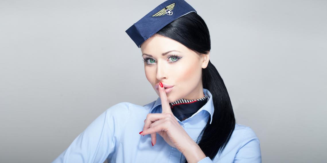 Деякі коментатори похвалили дівчину за те, що віддала перевагу не сумнівним зв'язкам/ lifehacker.ru