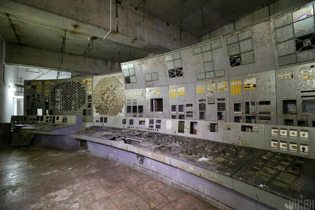 Abandoned control room at Chornobyl NPP / Photo from UNIAN