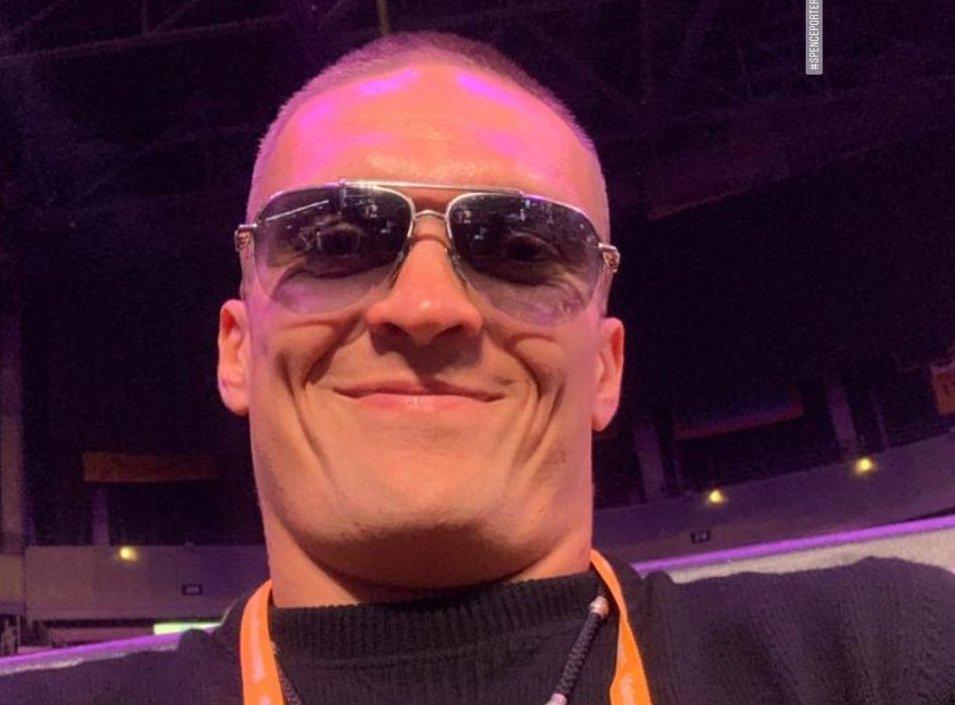 Александр Усик побывал на боксе в Staples Center / фото: instagram.com/usykaa