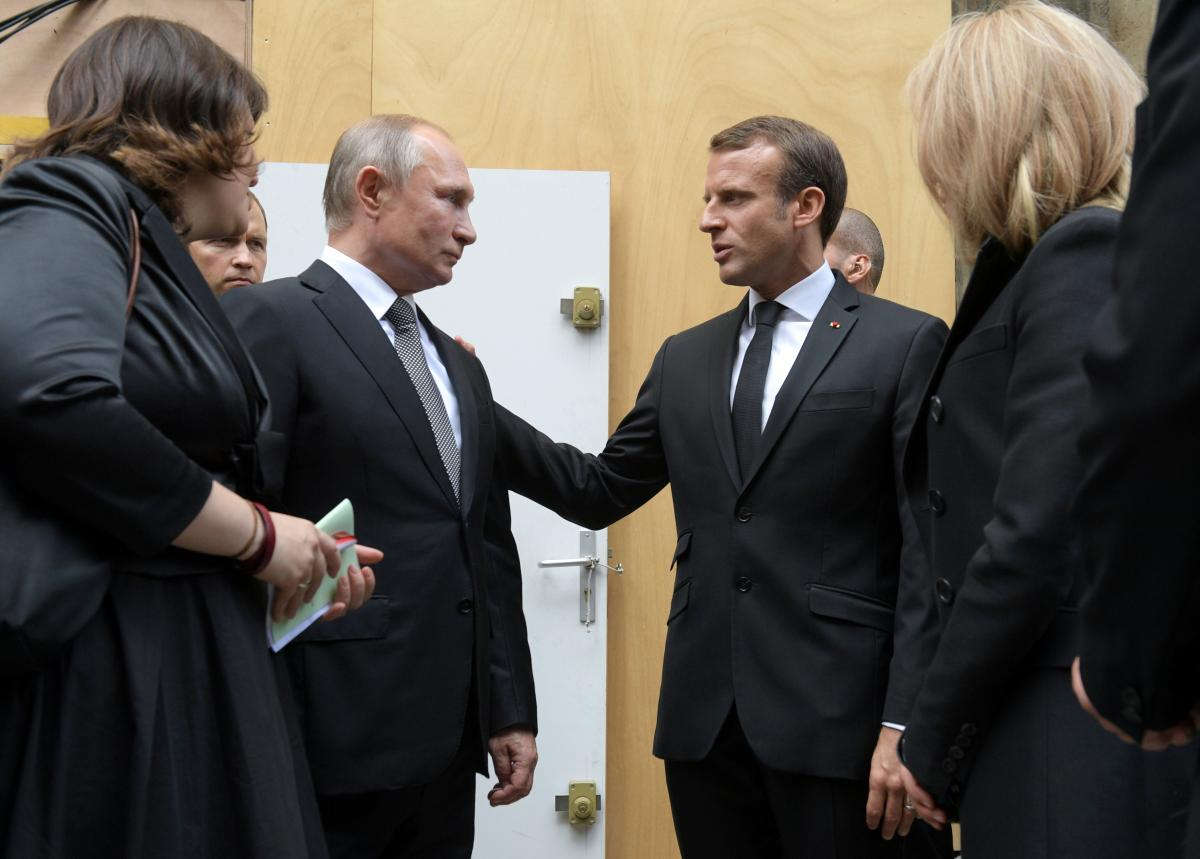 Эммануэль Макрон и Владимир Путин / фото REUTERS