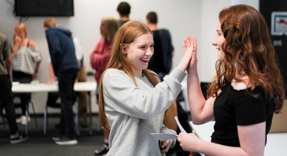 Иностранные студенты смогут дольше оставаться в Британии после окончан