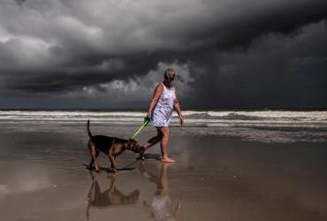 """Ураган """"Доріан"""": кількість зниклих безвісти зменшилася до 1300"""