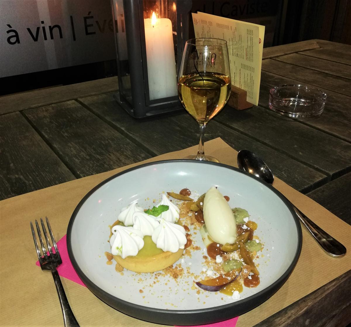Такой скромный перекус в Европе стоит около 20 евро - удовольствие не на каждый день / Фото Марина Григоренко