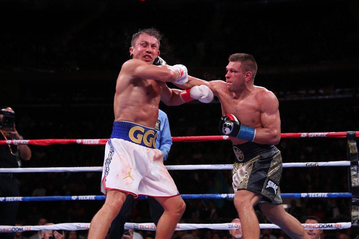 Сергій Дерев'янченко поступився Геннадію Головкіну в близькому бою / фото: twitter.com/matchroomboxing