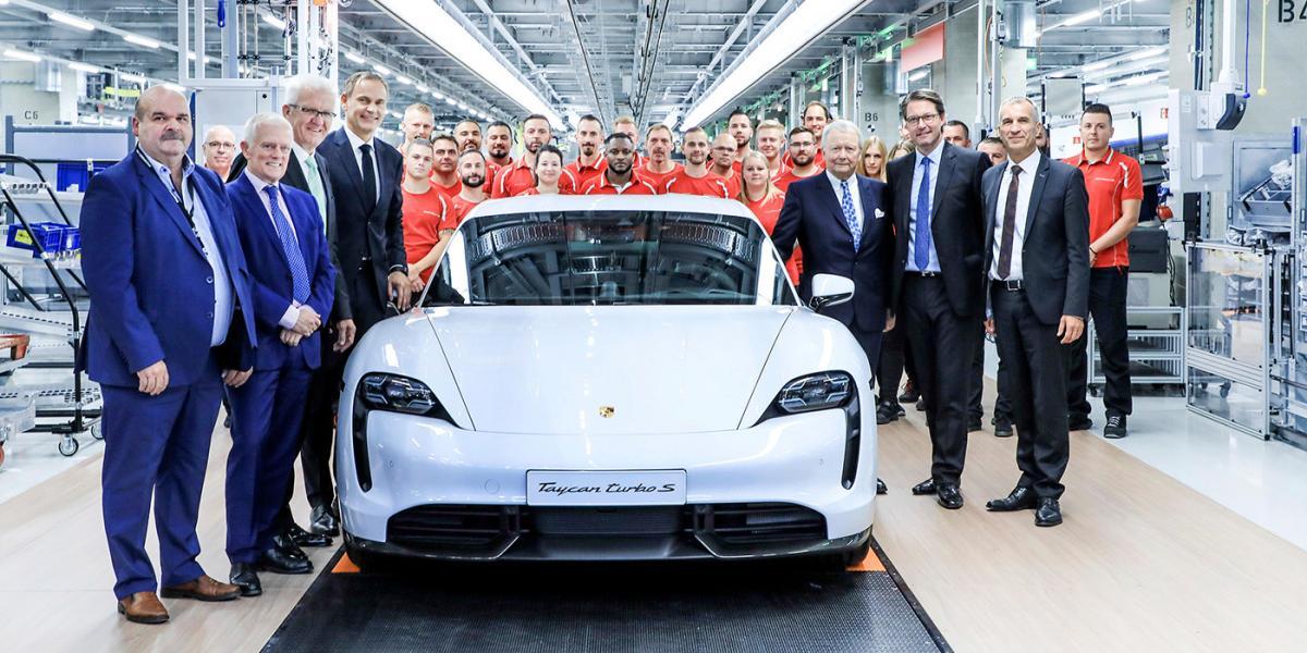 Porsche показала на відео збірку Taycan / фото Porsche