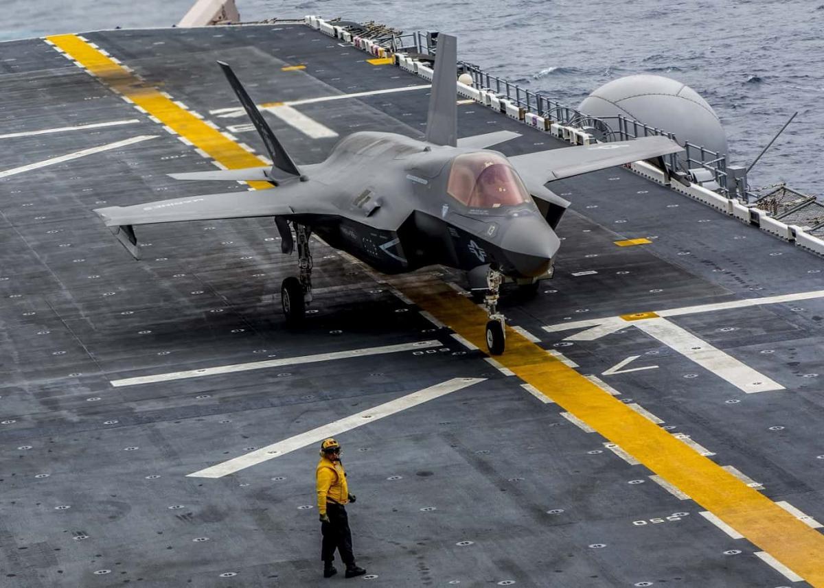 F-35B успешно посадили на новый американский десантный корабль / Photo by Lance Cpl. Juan Anaya