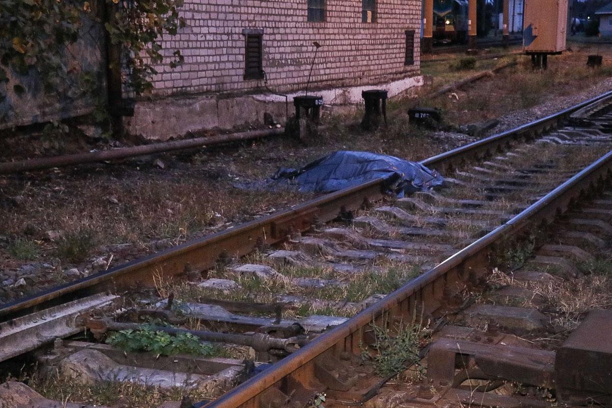 Обезглавленное тело лежало на рельсах / фото Информатор