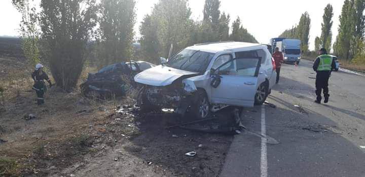 Водитель Lexus госпитализирован / фото ГУ ГСЧС в Николаевской области
