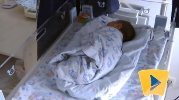 Ребенок, которого родила 12-летняя мама / Скриншот