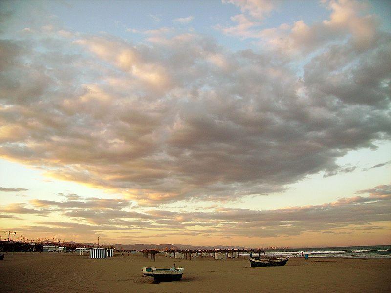 У Валенсії дуже широкі пляжі / Фото wikipedia.org