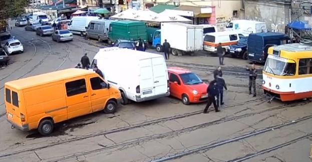 Водійка з'явилася лише через дві години / скріншот відео ТСН