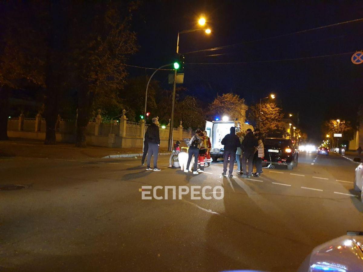 Пострадавшая жива, ее забрали в больницу/ фото: Эспрессо