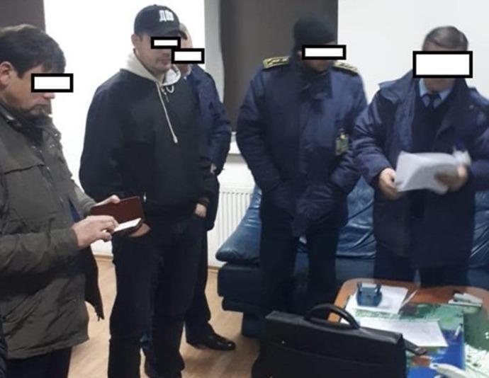 ГБР разоблачило схему импорта новойодежды под видом секондхенда / фото facebook/ol.varchenko