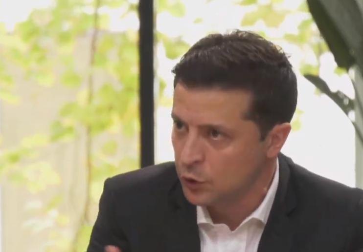 """Зеленский подчеркнул, что его избирали как президента, который """"прекратит войну"""" / Скриншот"""