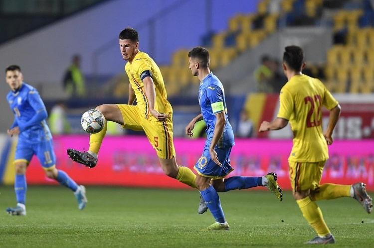 Украина разгромно проиграла Румынии / фото: УАФ