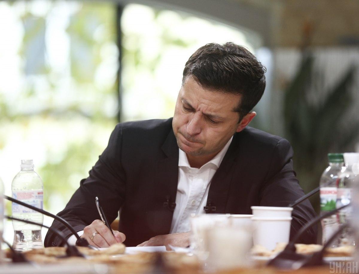 Зеленский подписал закон о снижении допороговых закупок в системе Prozorro до 50 тыс. грн / фото УНИАН
