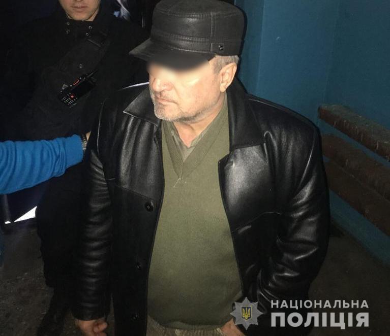 Напередодні події зловмисник запросив жінку він імені подруги, але товаришки у квартирі не було / ГУНП Київщини