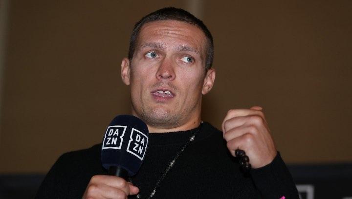 Александр Усик хочет боксировать в Украине / фото BoxingScene