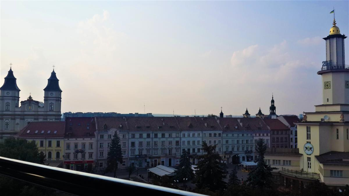Вид на центр Ивано-Франковска с террасы / Фото Марина Григоренко