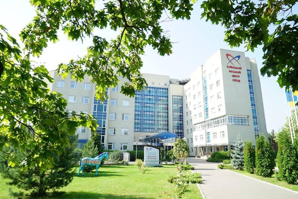 26-річний пацієнт вистрибнув з вікна четвертого поверху / фото: heart.kiev.ua