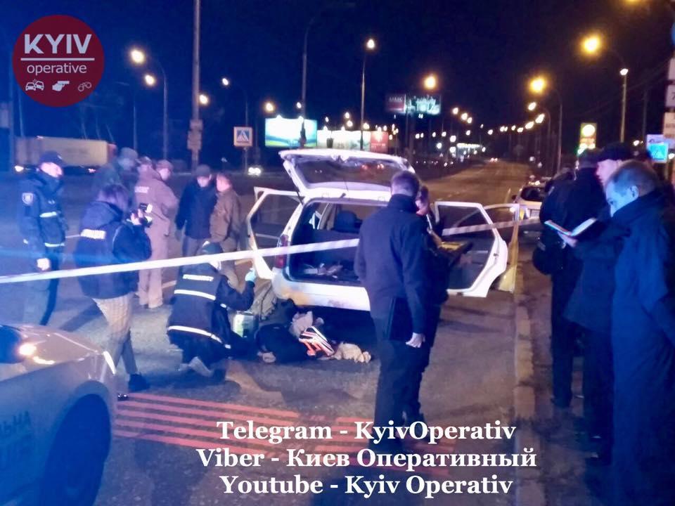 Автомобиль остановили около 23:30 на улице Заболотного / фото: Киев оперативный