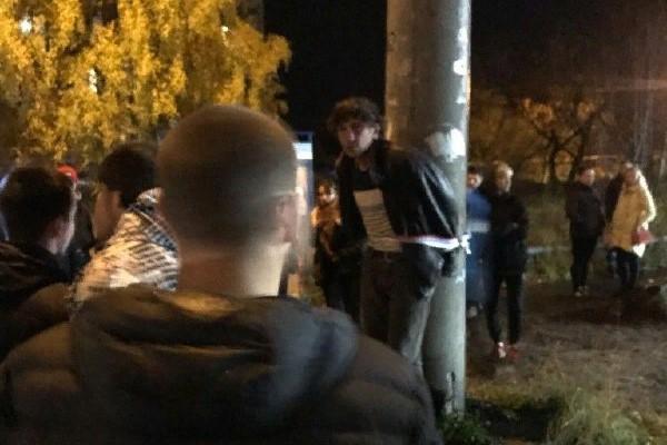 Горожане рассказали, что за последние два месяца он неоднократно нападал на женщин и детей/ Фото: Новое Поморье — Архангельск / Vk.com