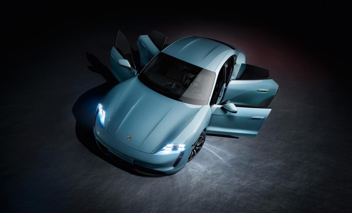 Купить Porsche Taycan 4S в Украинеможно будетв первом квартале 2020 года / фото Porsche