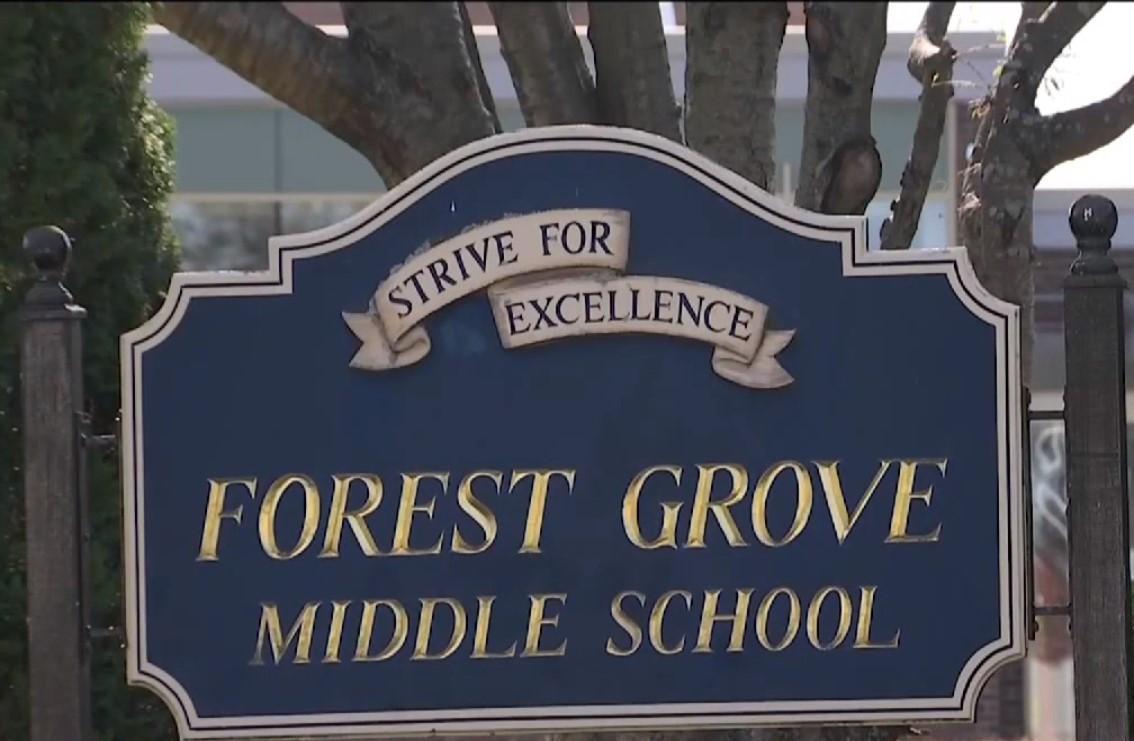 Школьника отстранили от занятий на десять дней, однако позже смягчили наказание до четырех дней/ скриншот из видео