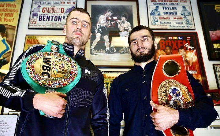 Александр Гвоздик владеет поясом WBC, Артур Бетербиев - титулом IBF / фото: boxingscene.com