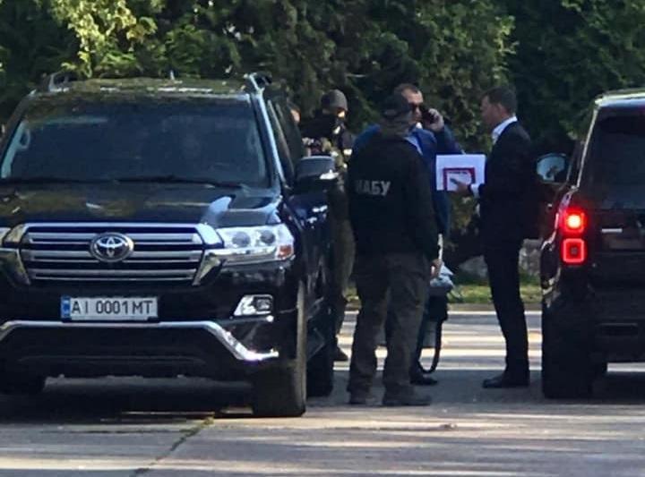 Гладковського затримали співробітники НАБУ біля ресторану під Києвом / фото facebook.com/dubinskyi
