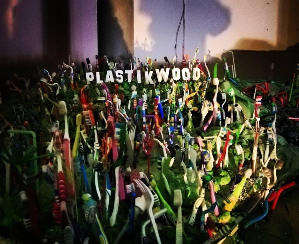 У Києві представили арт-проект Wrapped in Plastic / Фото Марина Григоренко