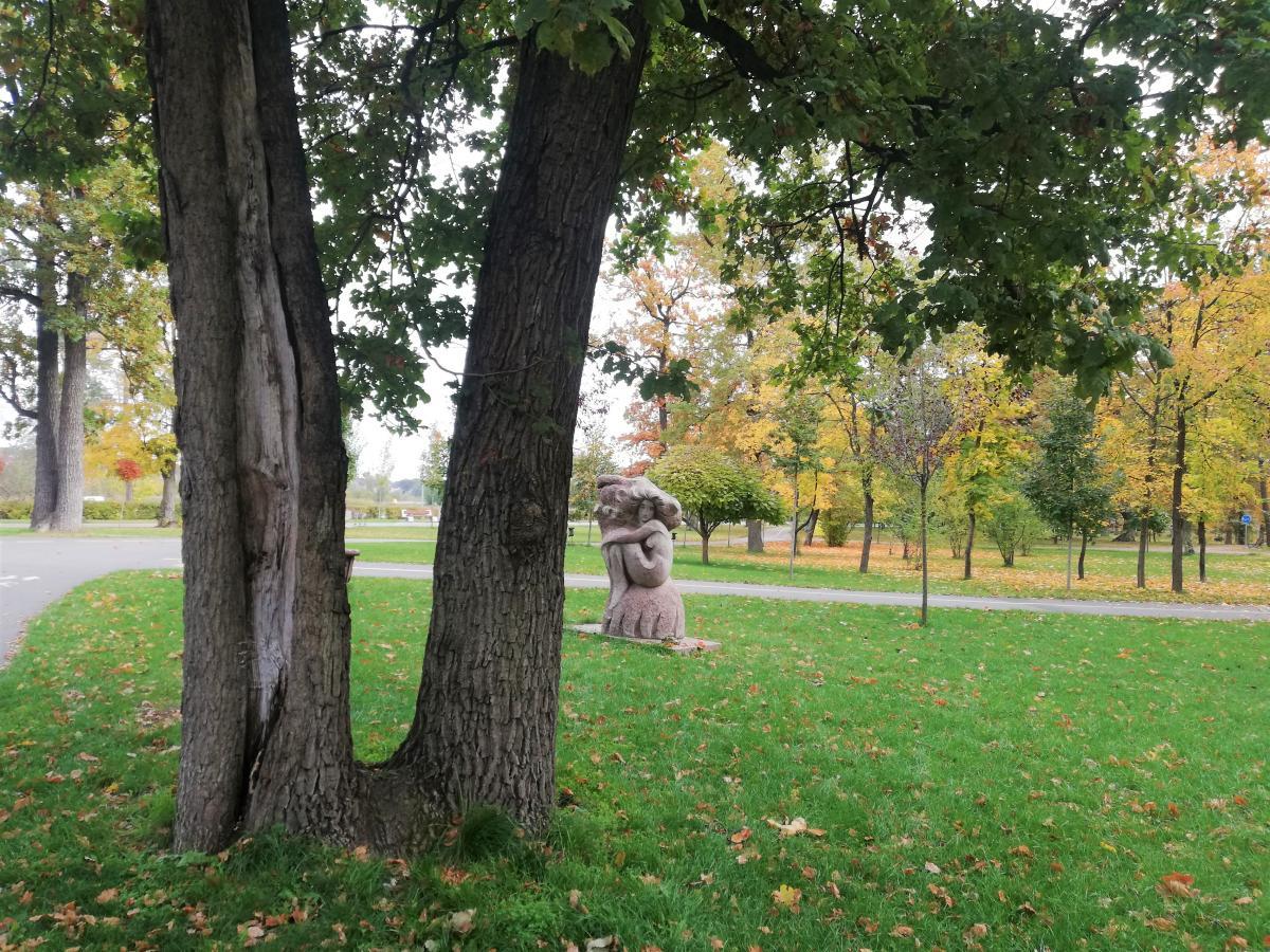 Скульптура в парке Бучи / Фото Марина Григоренко
