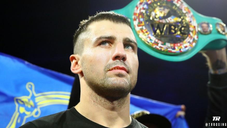 Гвоздик уступил Бетербиеву пояс WBC / фото: Top Rank