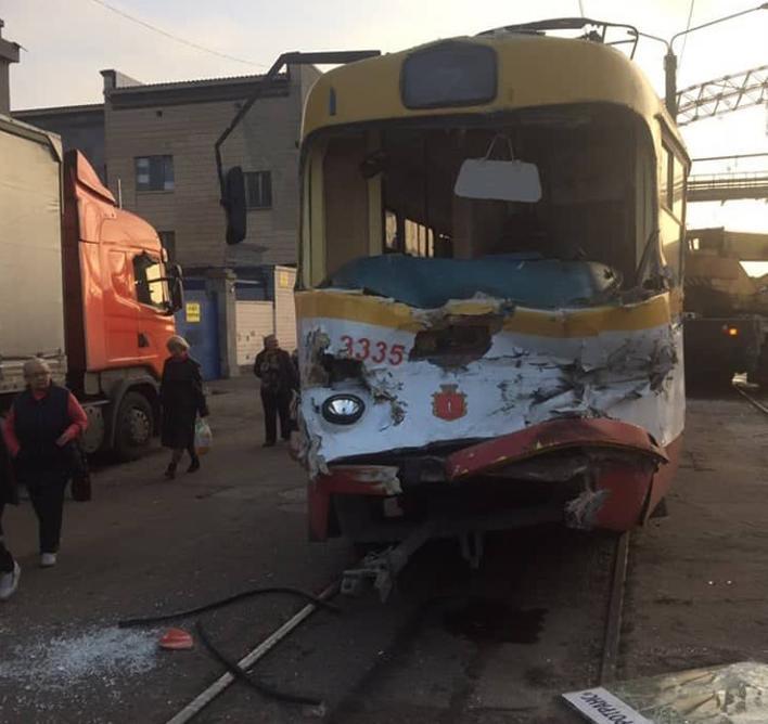 Водій трамвая був доставлений в лікарню / фото: Управління патрульної поліції Одеської області