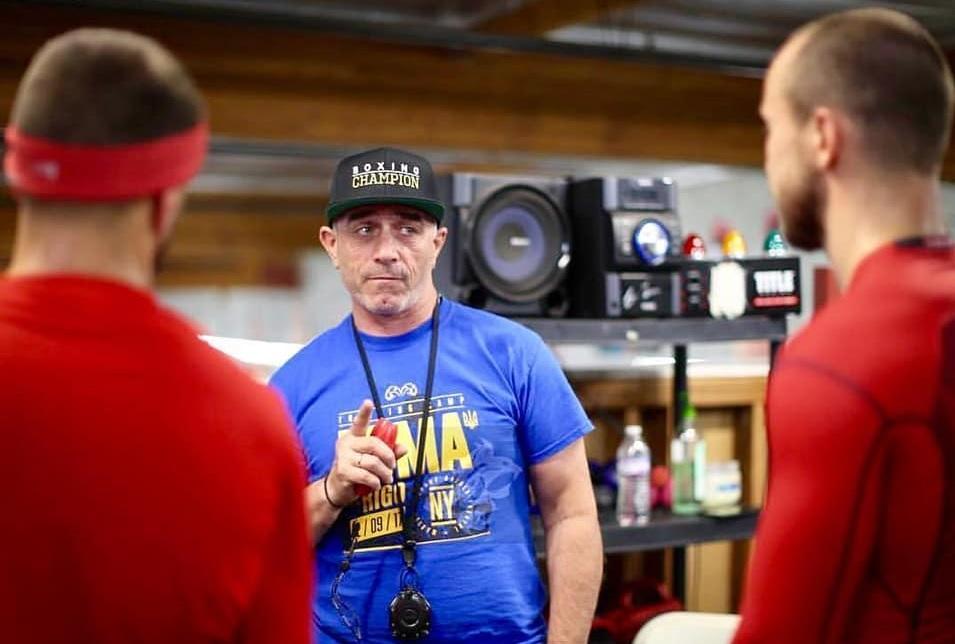 Анатолій Ломаченко вважається одним з найкращих тренерів світу / фото: BoxingScene
