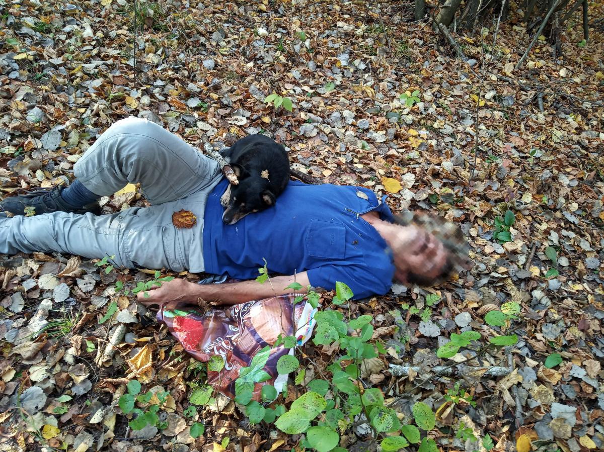 Завдяки гавкоту пса чоловіка виявив рятувальник / ДСНС