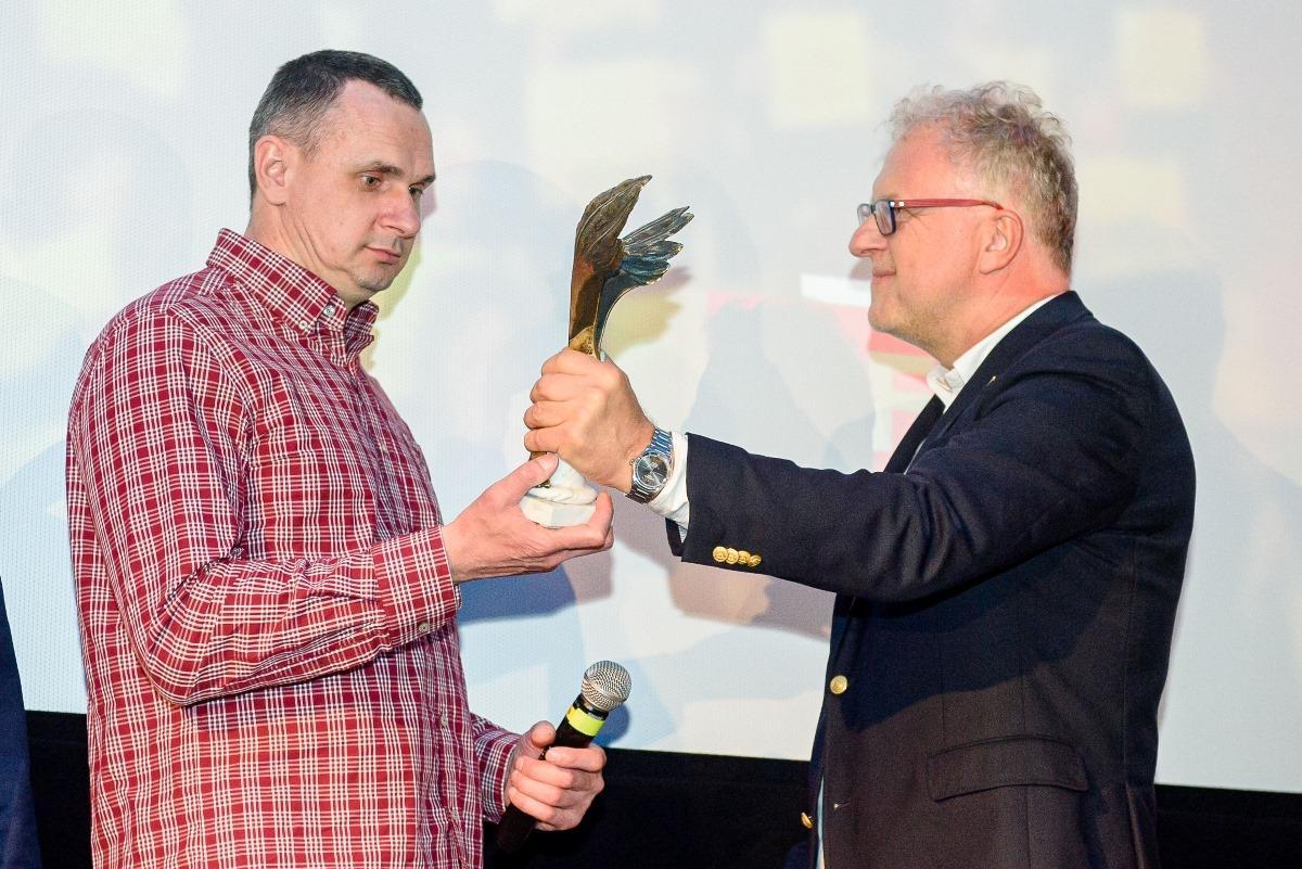 The award was presented by Dariusz Jabłoński / Photo from Polskie Nagrody Filmowe ORŁY/Faceboook
